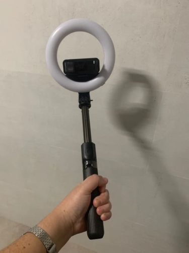 ARO LED Luz Selfie Stick Wireless Control Remoto para todos los móviles photo review